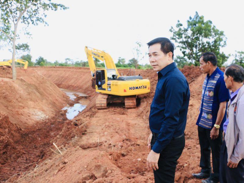 นายกเทศมนตรี ผู้บริหาร สมาชิกสภาเทศบาลลงพื้นที่ดูงาน/งานขุดลอก/งานก่อสร้างระบบระบายน้ำ